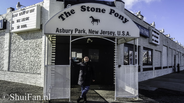 Me in front of the Stone Pony.. by daylight!